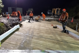 Waitahora Bridge night crew