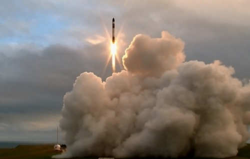 ResizedImageWzYwMCwzODNd Rocket Lab Lift off Mahia Peninsula 2017